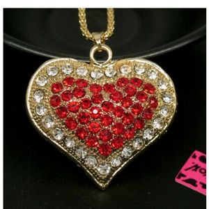 So pretty! Red heart necklace